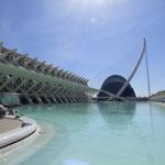 Le Musée des Sciences et le Pont de l'Assut de l'or