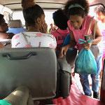 Fahrt im Aluguer - Minibus