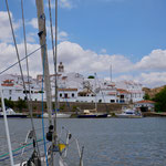 Alcutim, Portugal liegt gegenüber von...