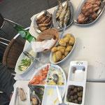 Essen im Fischerdorf