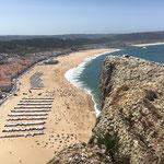 ...über dem Strand von Nazaré