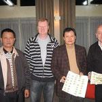 V.l.n.r. : Mr. Wang (Taiwan) ... Kees Bosua ... Mr. Wang Wan Li (Taiwan) en John Gerard (Engeland)