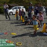ゴールのキャンプ場では輪投げのゲーム