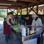 イベントは、地元のキャンプ場サポーターのボランティアで成り立っています。