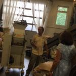In der Mühle Stadlern mit Geschäftsführer des Wurzelgräber Paradieses Thomas Jäkel
