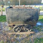 mijnwagentje bij de oude spoorweg