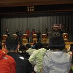前夜祭では地元の子供たちが菅平太鼓を披露
