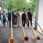 スイスをイメージして、スタート時と表彰式ではホルンを演奏