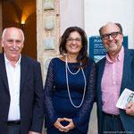 (von links) Bürgermeister von Valldemossa Nadal Torres mit Organisatoren Bożena M.Maciejowska und Eckehard Ficht