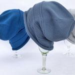 """Mütze """"Valeska weit"""" // Merinowolle // Farbe nicht verfügbar // Farbe 2037 // Farbe nicht verfügbar (v. l. n. r.)"""