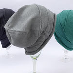 "Mütze ""Valeska weit"" // Baumwolle Viscose // Farbe 37 // Farbe 207 // Farbe 220 (v. l. n. r.)"