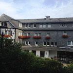 Rothaarsteig: Hotel Jagdhaus am Morgen
