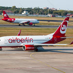 2014-09-04 Berlin-Tegel-Flughafen 017 D-AHXG Boeing 737-7K5 OE-LEL Airbus A320-214© Pekasus1988
