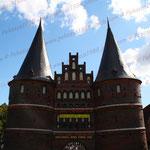 2010-09-05 Lübeck - Holstentor (Lübeck kämpft für seine Uni!) © Pekasus1988