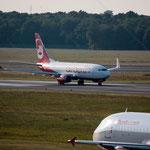 2014-09-04 Berlin-Tegel-Flughafen 009 D-ABLC Boeing 737-76J OE-LEL Airbus A320-214© Pekasus1988
