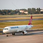 2014-09-04 Berlin-Tegel-Flughafen 065 TC-JSL Airbus A321-231© Pekasus1988