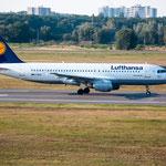 2014-09-04 Berlin-Tegel-Flughafen 029 D-AIPK Airbus A320-200© Pekasus1988