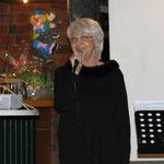 Karin begrüßt die Gäste