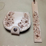 革のコインケース、しおり 革に電気ペン、手縫い 2014年8月