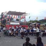 オープニングセレモニーは、地元中学校の吹奏楽から始まりました。