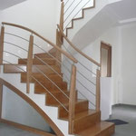 Habillage escalier béton, a l'anglaise, en chêne, barres inox,