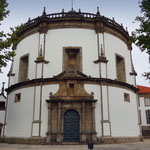 Portugal / Porto. The circular church of Serra do Pilar monastery. Belongs to the Army but can be visited with two soldiers in arms ! Photo © Hugues Piolet.