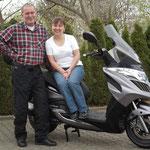 04.04.2014: Anna und Richard Piecha aus Albbruck mit ihrem neuen KYMCO Grand Dink 300i