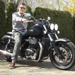 28.03.2014: Jean Müller aus Reinach mit seiner neuen TRIUMPH Thunderbird Storm ABS