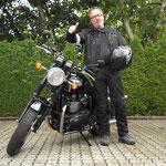 30.07.2014: Jörg Bosch aus Lörrach mit seiner neuen TRIUMPH Bonneville T100