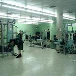 12~13歳クラブのトレーニング。ここのクラブではこの時期から 軽い負荷でマシーントレーニングを開始。