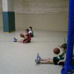 6~7歳のスクール。ドリブル中心にボールに慣れることが主なねらい。