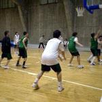 15~16歳クラブチームの練習。数人がダンクしていました。