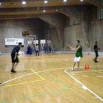 16~17歳クラブチームの練習。ルビオと同年代 U-16のヨーロッパ選手権優勝メンバーもいます。
