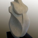 lady friedberg | sandstein | h= 43cm