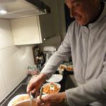 Pascal K'in preparando Chilaquiles en Zurich, Suiza / Pascal K'in kocht mexikanisch: Chilaquiles in Zürich...