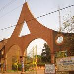 Accès à la cathédrale de Ouaga