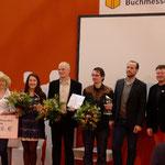 Alle Preisträger des Indie Autor Preises und einige Mitglieder der Jury