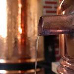Distillation du romarin dans notre alambic en cuivre