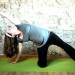 Seitwärtsdehnung - Yoga für Schwangere - Yoga in Neukölln