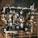 """Bauen wir am Ersatzmotor weiter: Gehäuse gereinigt, ebenso die Lager.....""""Wieso reinigt der die Lager?"""" ...Nunja, ich hab die gebrauchten genommen :-)"""