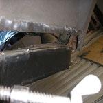Radkasten vorne, der IGP Schweller sitzt richtig gut !  Ein Riiiiesenunterschied im Gegensatz zu dem Klokekrholm Müll am 86er