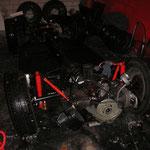 Das Fahrgestell habe ich, nachdem es ca 3 stunden im Dunkeln auf der Straße stand, nun auch in die garage reingeschoben :-)