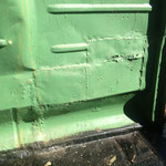 Radkasten vorne rechts an der Trennwand. Nix besonders, die übliche bus Krankheit. Hab ich schon oft repariert.