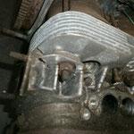 der eine Zylinderkopf hat ein abgerissenes Ventil in sich stecken....der andere hier hat ne abgebrochene Ecke.