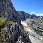 маршрут на Савин Кук, снежник Debeli namet на склоне горы Šljeme