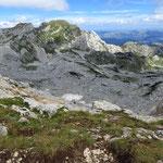 маршрут на Боботов Кук, вид с перевала Velika Previja (2351м)