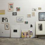 """""""favorites in FAVORITEN"""" - Ausstellungsansicht, am Boden stehend von links nach rechts: Michael Wegerer, Klaus Joachim Keller, Babsi Daum"""