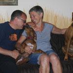 Winda lebt jetz bei Clara, Volker und Halbschwester Nyah - Knutsch Herrchen