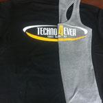 Techno lebt, so scheint's, auch noch. By Alice und Tara.