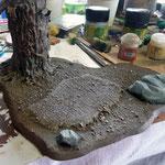 Die Felsen des Baumset wurden mit Grau und Terminatus Stone (GW Farbe) gebürstet